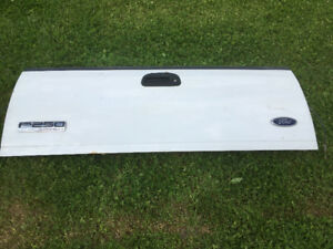 tailgate blanche FORD F250/F350 2006