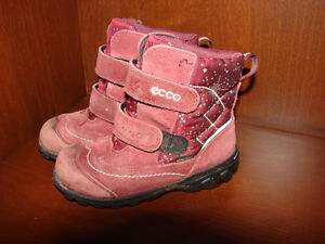 Size 9 and 10 SHOES FOR GIRL