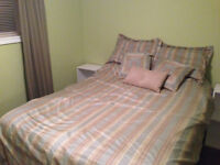 Room rental in family home in Cowan Heights - Utilities included