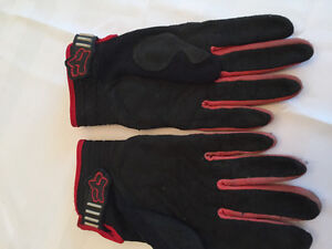 Youth Size Fox Motocross or Dirt Bike Gloves,Very Good Condition Kitchener / Waterloo Kitchener Area image 2