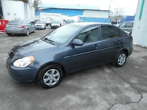 Hyundai Accent 4dr Sdn AUTOMATIC BAS MILLAGE ENTIEREMENT EQUIPE