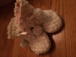 Size 7-8 new slippers
