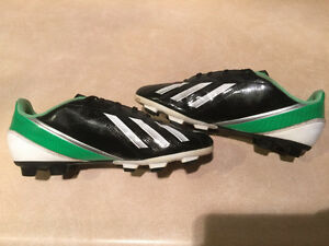 Adidas F5 Outdoor Soccer Cleats Size 6 London Ontario image 5