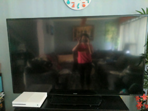 """70"""" sharp aquos 3d tv with glasses"""