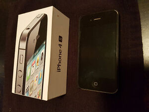 32 GB Black iPhone 4S (Bell/MTS)