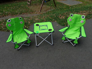 kids outside table and chair set