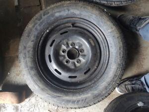 1 pneu d'été neuf 205/65R15