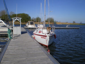 sailboat Ericson 25 - 1976 with trailer