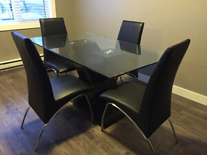 Modern 5 piece dining table & chairs