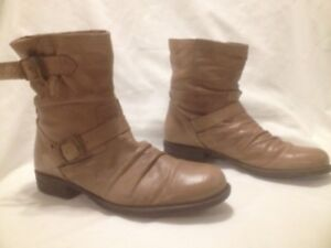 Ladies Tan Leather Short Frye Knockoff Style Boots Size 38