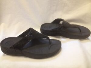Ladies Fitflop Classic' Electra' Black Thong Sandal 8/8.5M