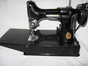 1949 Singer Featherweight 221 Sewing Machine