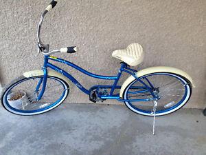 Blue & Cream Sims Cruiser Bicycle!