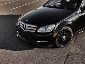 2011 Mercedes-Benz C-250 - Leather - Sunroof - Alloy Wheels