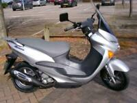 Suzuki UC 125 Y Epicuro 2000 very low miles Automatic scooter MOT FSH drive away