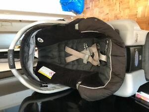 Graco car seat w/booster