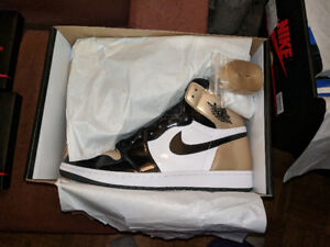 Gold Toes ! Size 12 DS