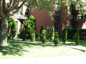 4 1/2 Apartment for rent in Beaconsfield.