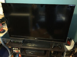 40 inch LG TV + Mint Condition Stand!