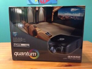 Projector QX550 + 3D glasess + screen