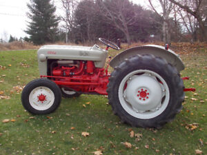 1956 650 FORD TRACTOR