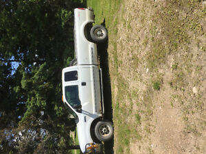 1999 Ford F-250 7.3 Diesel Extended Cab Pickup Truck