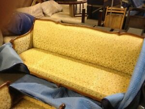 English/Victorian style Couch & Chair