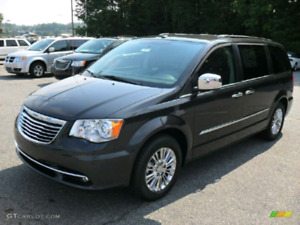 2011 chrystler town and country