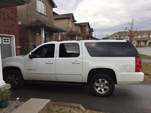 2011 GMC Yukon xl (9 seats) SUV, Crossover