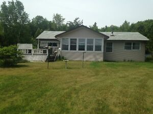 Lakefront Property Hilton Beach 40 mins from Sault Ste Marie