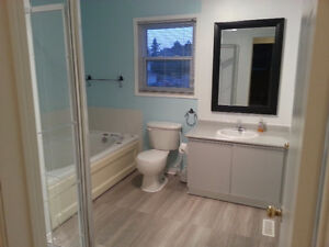 End Unit Bright Clean Spacious 3 Bedroom Townhouse Barrie