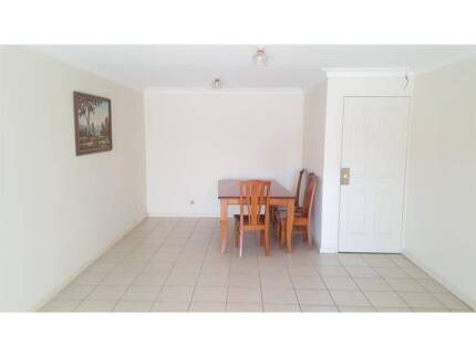 LOVELY 2 BEDROOM GRANNY FLAT IN A QUIET STREET