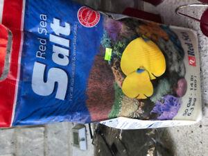 Sel pour aquarium d'eau salée- salt for salt water tank