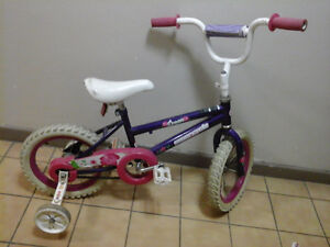 girl bike with training wheel or without