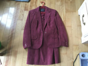 Ladies Size 8 Business Suit     Cranberry/Maroon