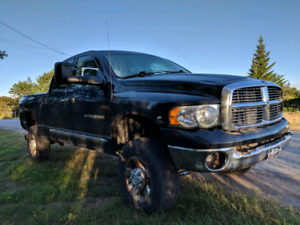 2005 Dodge Ram 2500 5.9L Cummins (Diesel) 4x4 Manual