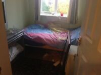 3 ROOMS 2 DOUBLE AND 1 SINGLE HOUNSLOW(TW76SX) £450PM £500 PM £600 PM