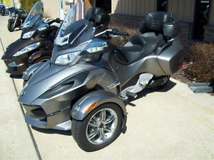 2012 Can am Spyder RT excellent condition