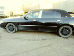 2008 Lincoln Town Car Sedan FOR SALE