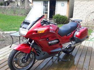 Honda ST1100 - $2300 or B.O.