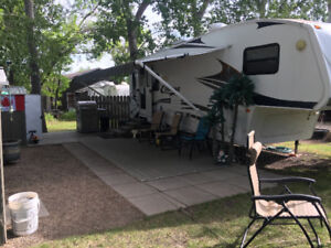 2008 Cougar Couples Retreat 27.5 Ft Fifth Wheel For Sale