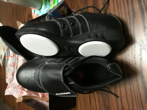 Ladies new  curling shoes for sale