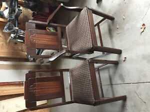 4 restored antique dining chairs Belleville Belleville Area image 1