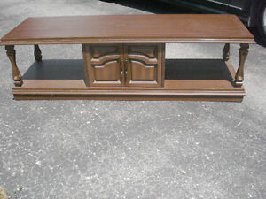 COFFEE TABLE MUST SELL BY SATURDAY Peterborough Peterborough Area image 1