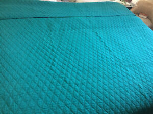 Queen turquoise quilt and small blanket