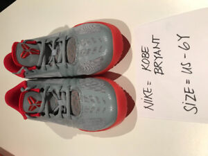 2 NIKE SHOES  SELLING ALL TOGETHER