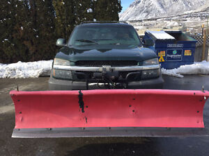 2003 Chevrolet Avalanche With Snow Plow !!!