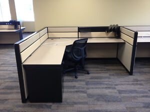 Refurbished Office Cubicles Like New Condition Any Size & Colour Windsor Region Ontario image 9