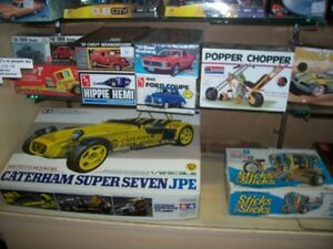 OLDER NHRA   AND  HOT WHEELS  COLLECTABLES AND MODEL KITS London Ontario image 8