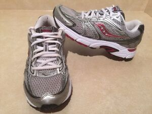 Women's Saucony Cohesion 4 Running Shoes Size 7.5 London Ontario image 2